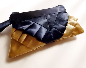Retro Style Navy and Gold Ruffle Wristlet