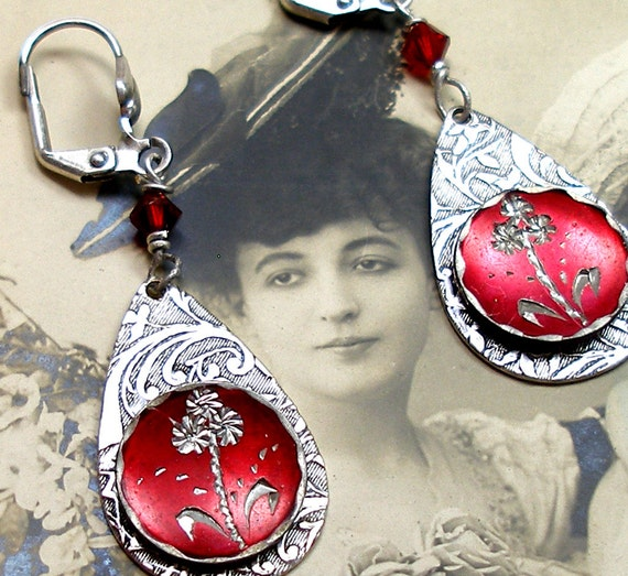 Victorian BUTTON earrings,  Wildflowers in red on silver. Antique button jewelry, jewellery.