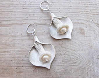 Cala Lily Earrings with Pearl and Needle lace - The Organics Collection