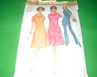 Vintage Sewing Pattern Simplicity 9579 Large size ladies dresses
