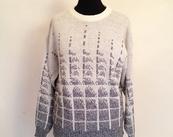 Vintage Geometric Fade Grey and Cream Sweater size M