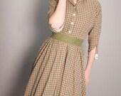 1950s plaid dress 50s shirtwaist size small Vintage dress house wife dress cotton dress