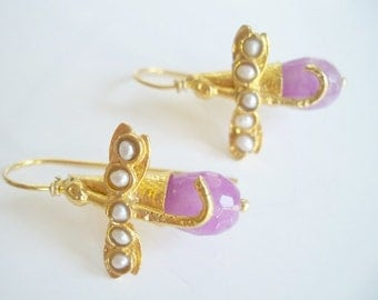 Pearl and Pink colored Jade earring