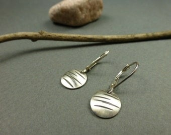 Lines stamped Sterling Silver Disk Earrings, Brushed Silver Circle Earrings