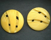 "Buttons Carved Galalith, Creamy Yellow Set of 2, Large 1-1/2"" Coat Jacket, Metal Shank, Vintage c1940s"