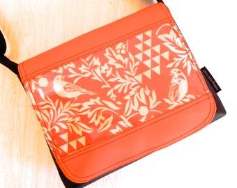 Bird and triangle satchel in orange