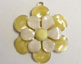Vintage yellow and white flower gold pendant charm . 39mm