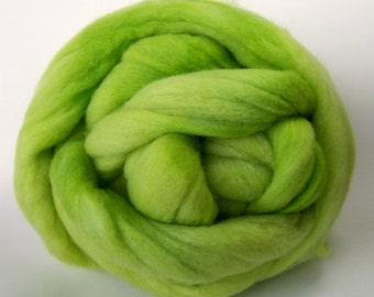 Celery Colonial Wool Top - 3 Ounces
