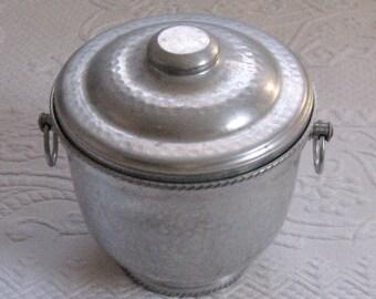 Hammered Aluminum Ice Bucket . alu ice bucket . retro ice bucket