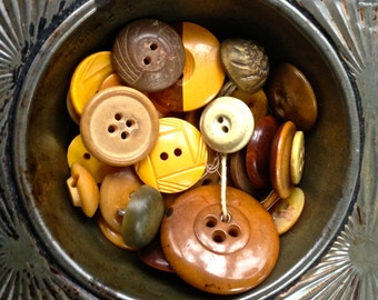 Vintage button mix, hard to find yellow caramel coffee colored mixed lot no 38