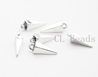 30 Pieces Oxidized Silver Tone Base Metal Charm - Pyramid - Spike 16x5mm (26516Y-T-221)