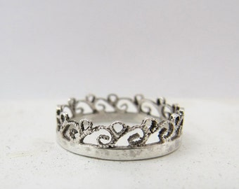 Contemporary Filigree Ring, Crown Ring, Non-traditional wedding band