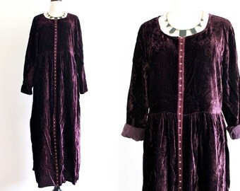 90s Eggplant Purple Velvet Velour Goth Steam Punk Slouchy Indie Rocker Maxi Dress Moda Int'l. M . GT .  No.580.10.23.13