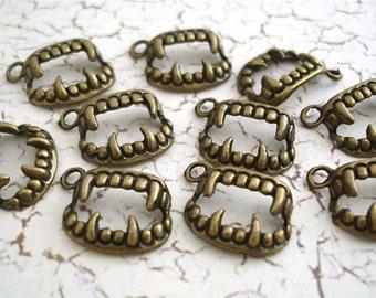 Bronze Fang Charms Pendants Connectors Antiqued