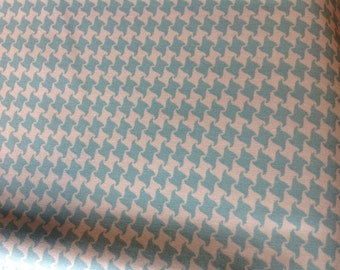 SALE.  Summer In The City --- Checkered houndstooth on turquoise