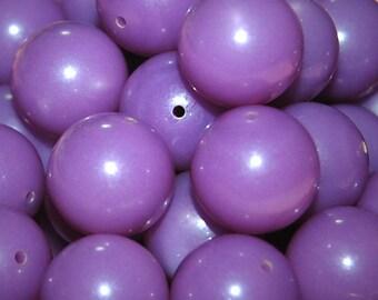 Vintage 10 Pale Lavender Lucite Beads 16MM   FL7