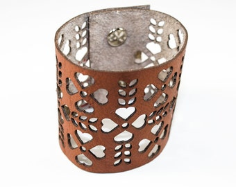 Leather Cuff Bracelet - Folk Art Pattern Cutouts (Caramel) - Size Small