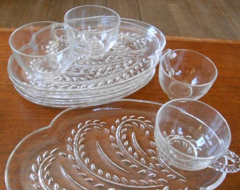 HOSPITALITY SNACK SET for 4 - Federal Glass Co. of Columbus, Ohio - Fifties Vintage Retro