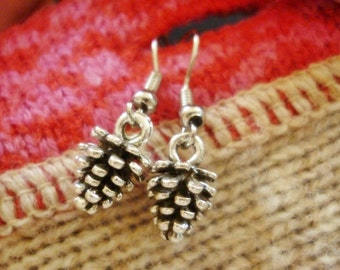 Woodland Pinecone Earrings,Silver Pinecone dainty Earrings
