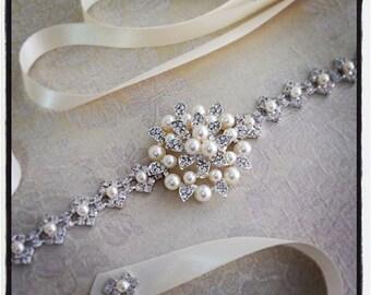 Bridal sash, Wedding Sash Belt , Rhinestone and Pearl Trim and Brooch Sash, Wedding Belt, bridal Accessories