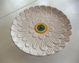 Repurposed Daisy Cake or Cupcake Plate