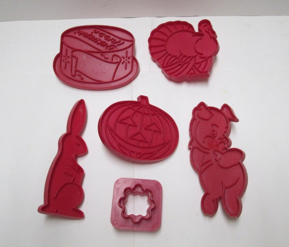 Vintage Cookie Cutters Tupperware Holiday Lot, 6 Red Farmhouse Retro Kitchen Tools Christmas Easter Halloween Birthday Plastic 60s 70s Cake