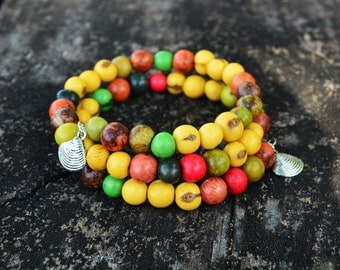Indian Summer Acai Beads Bracelet:  Colorful Acai Beads Memory Wire Bracelet / Eco friendly Jewelry, Organic Beads, Acai Seeds / Handmade