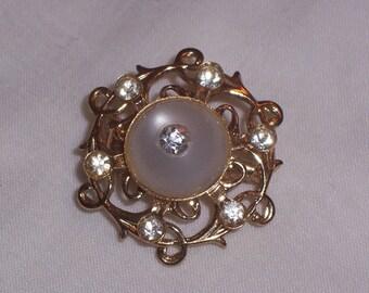 Vintage Brooch or Pin with Rhinestones