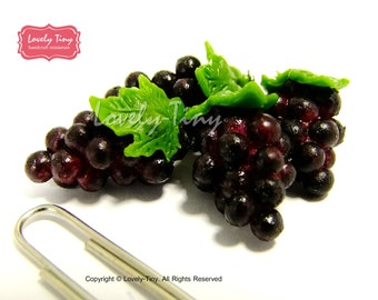 Dollhouse miniature Fruit:4 pieces (bunches) of Black Grape, Fresh and Realistic