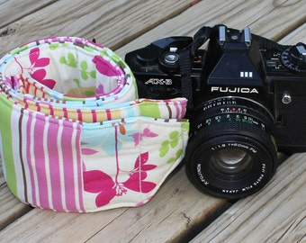 Ready to ship Monogramming is not avaiable  Wide Camera Strap for DSL camera  Floral with stripe reverse with lens cap pocket