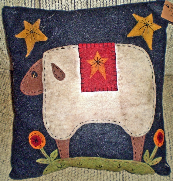 Oley Valley Primitives Wool Applique SHEEP Penny Rug Pillow