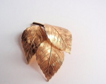 Vintage Grosse 3 Leaves Brooch, Textured Goldtone, made in Germany