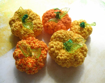 Miniature Crocheted Pumpkin Set of 5, DIY Autumn Jewelry, Crochet Pumpkin Beads, Fall Harvest Holiday Halloween Thanksgiving Pumpkins