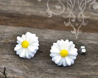 Daisy Earrings, White Resin Flower Studs, Hippie Chic