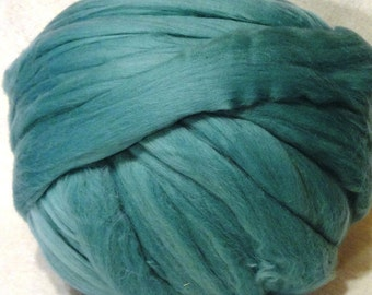 Roving Merino Wool - Turquoise Green - 8oz
