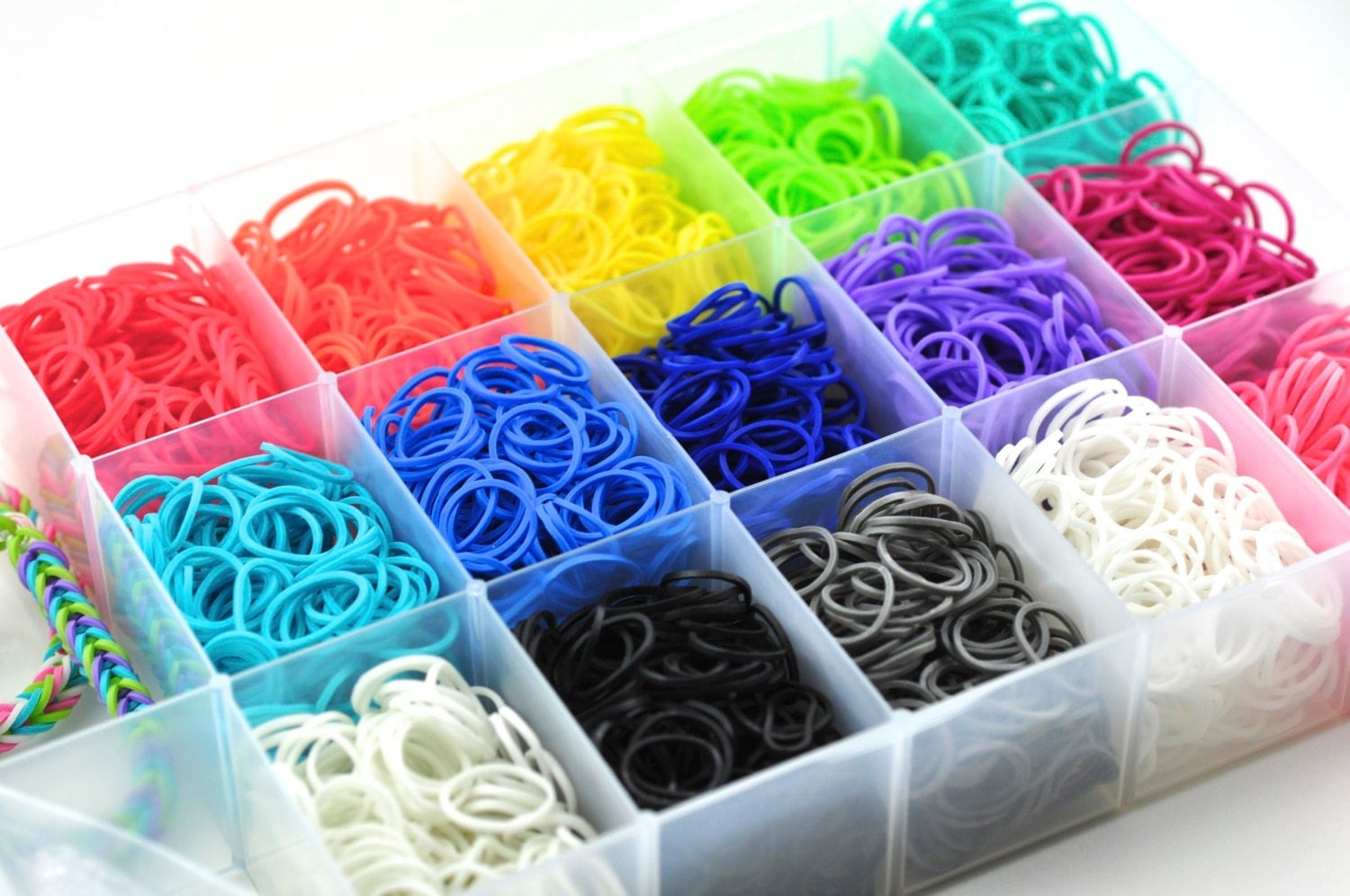 Rainbow Loom Bands 3000 Bands and Plastic Case 90 C-Clips Rainbow Loom