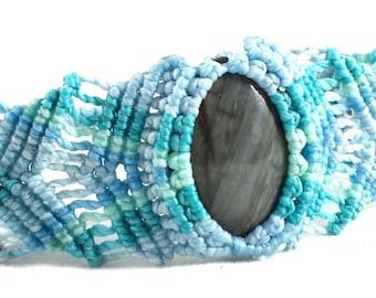 Flashy Grey Cat's Eye Fiber Optic Stone Tropical Hued Macrame Bracelet