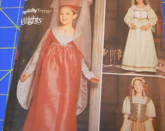 Simplicity 9836 Girls Renaissance medieval Princess Costume Pattern 7-14 OOP
