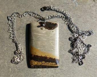 Silver necklace and pendant with 1 jasper
