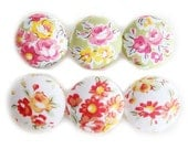 Fabric Covered Buttons - Classic Roses on Green and White - 6 Large Fabric Buttons