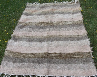 "5 ft 6""  x 4 ft  Beige Reversible Cotton recycled Jarapa rug/carpet. Loft. Woven Rag Rug"