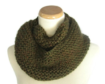 Infinity Scarf, Gift Idea For Her, Chunky Scarf, Fashion Accessory, Knit Cowl, Knit Scarf, Circle Scarf, Olive  Green Scarf,  Winter Scarf