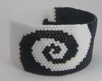 WHORLED Seed Bead Bracelet - Beaded Jewelry - Beaded Bracelet - Peyote Bracelet - Beadweaving - Black and White Spiral Swirl Pattern