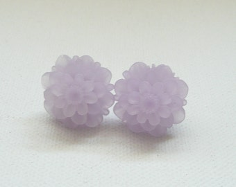 Frosted Light Lavender Resin 18 mm Mum Stud Earrings