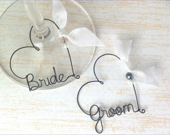 Wedding Favors, Personalized Wine Charms, Engagemen party gift,  Bride and Groom Wine Charms, Personalized Wine Glass Charms