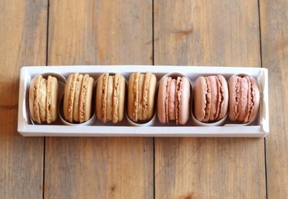 10 White macaron boxes cases