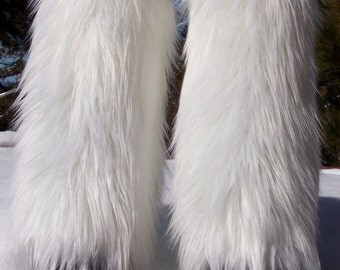 LegVogue Glamorous Faux Fur Leg Muffs