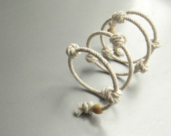 Nautical eco friendly rope ivory bracelet with knots. Memory wire cotton cord cuff.