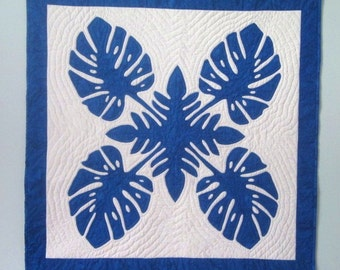 Hawaiian Quilt Blue and White Traditional Applique