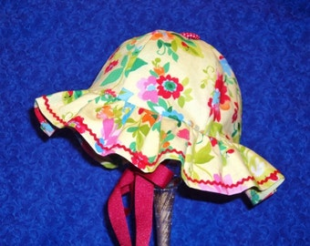 Baby Sunhat Pale Yellow with Flowers and Rick Rack